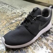 [香港代购]耐克跑步鞋844687-002_HK